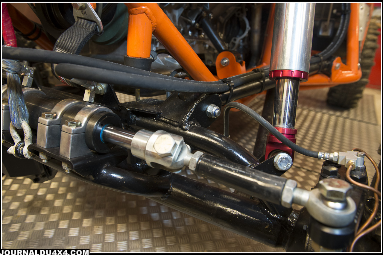 high steering : la platine pour la direction en position très haute