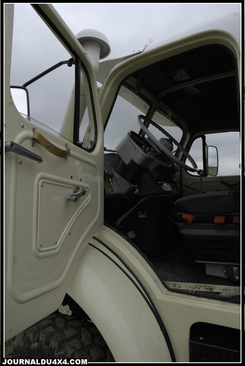 camion_Berliet_GBC_8M_6x6-0073.jpg