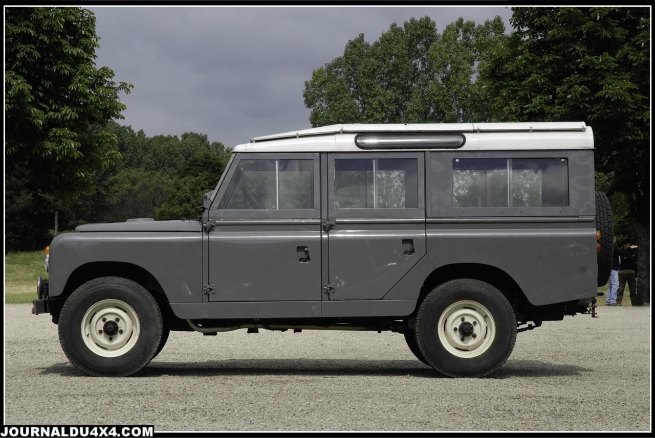 Le «topluxe » de la lignée des Série 2, le «Station Wagon» 109 Pouces équipé du 6 cylindres 2.6 L essence et son carburateur Stromberg.