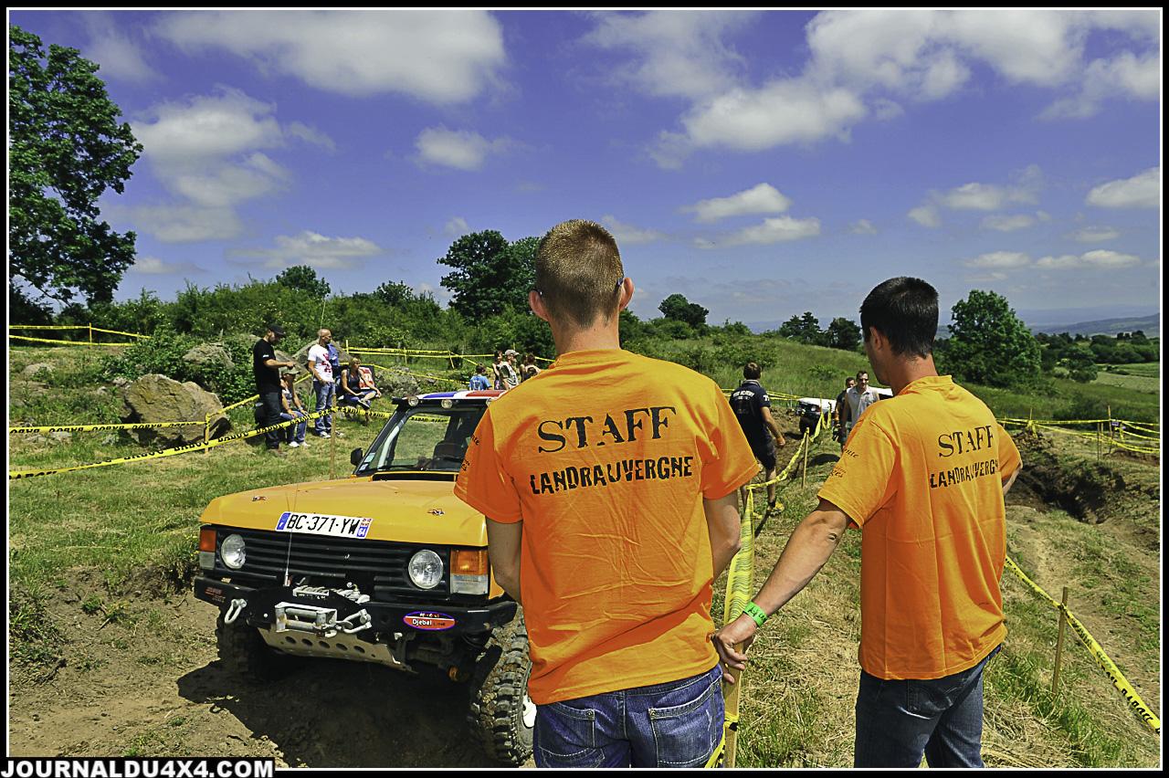 Les Z'Oranges, 150 bénévoles aident à la bonne marche du Landrauvergne, Un noyaux dur d'une quarantaine de personnes aident a la préparation de l'évènement en amont