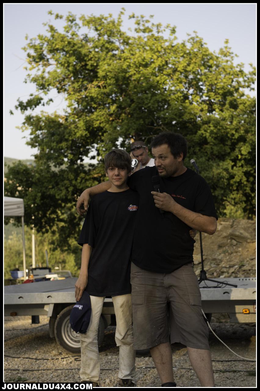Nathan le fils de STF, les pirates lui ofrrent un crawler qui sera construit façon monster garage !  Emu le minot ....