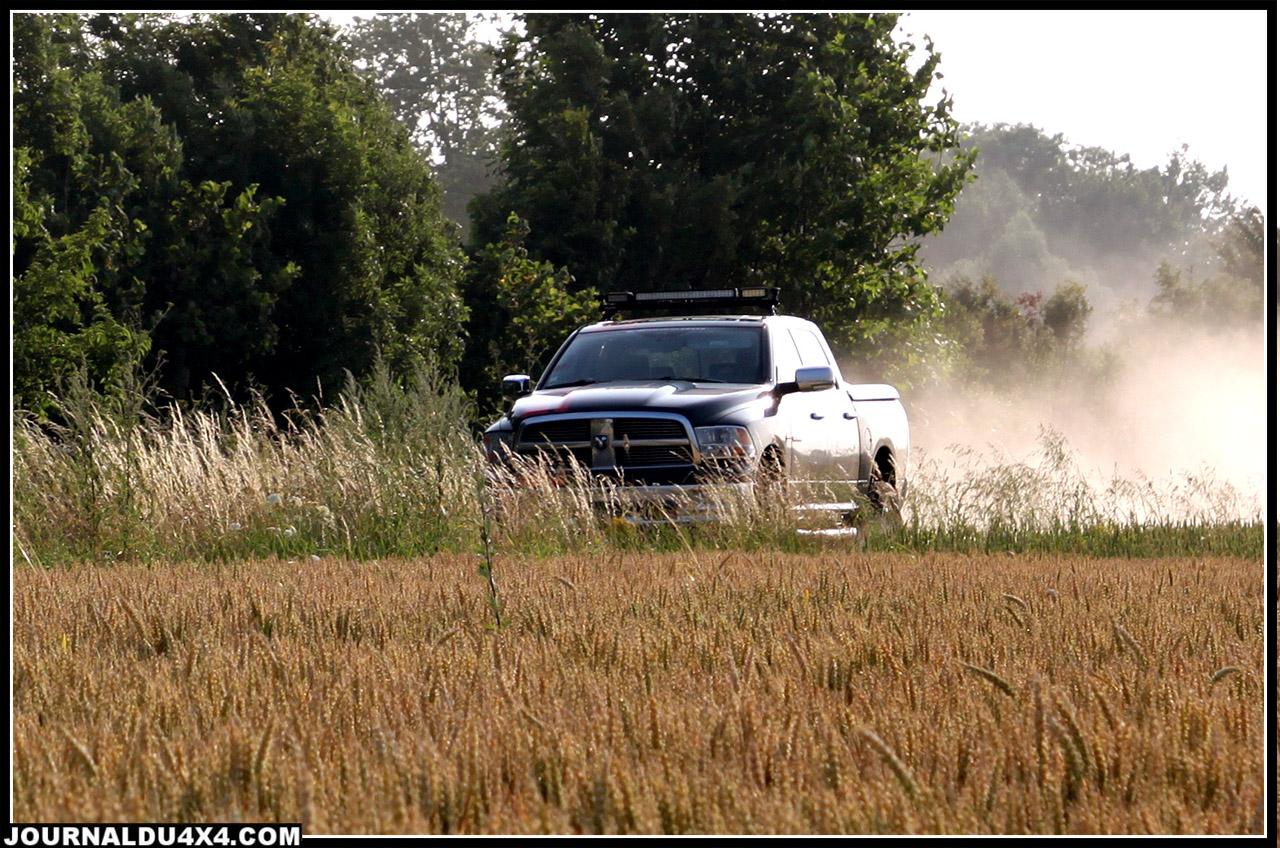 essai suspension Dodge Ram V8 Hemi Crew Cab
