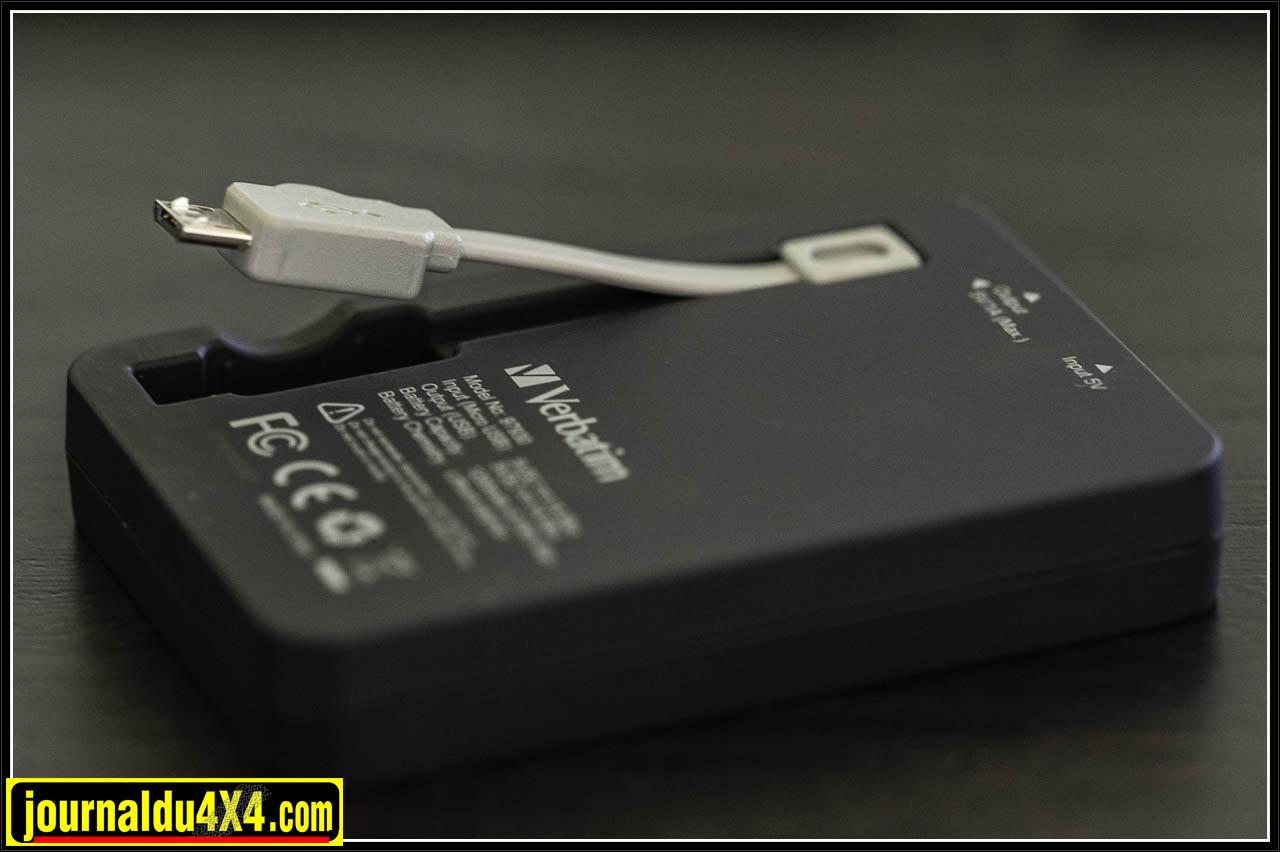 Une prise USB et un cordon mini USB sont disponibles sur le Power Pack