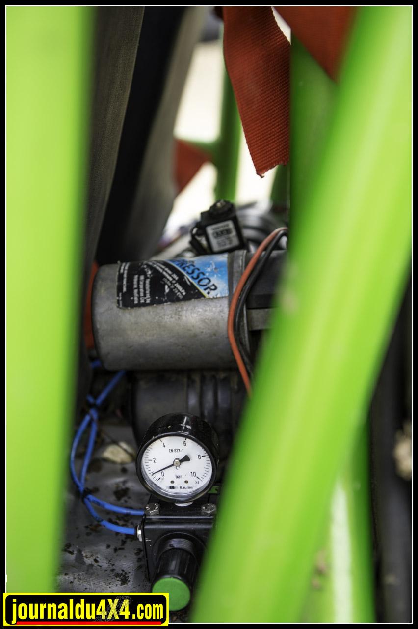 le compresseur ARB et le réducteur de pression pour le blocage du pont arrière