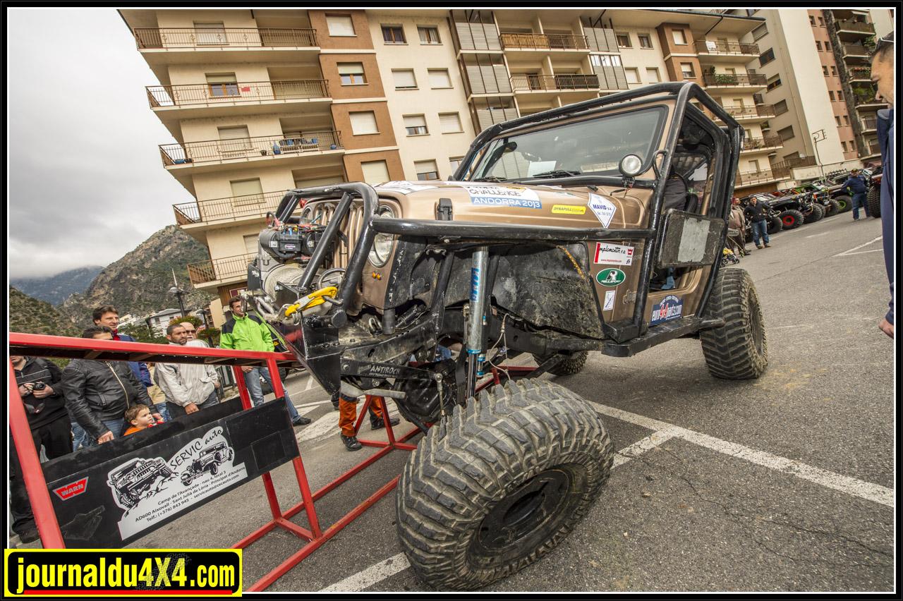 Hostal la Font Jordi Betriu Marc Bayona AND Preparat Jeep Wrangler
