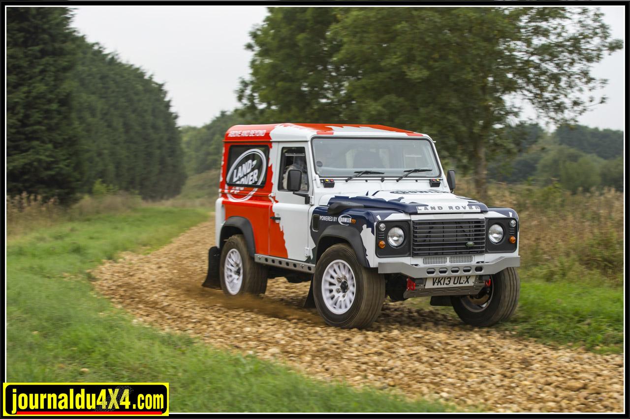 Defender 90 Hard Top, motorisés par le 2,2 litres Diesel d'origine modifié par Bowler Motorsport pour développer 170ch