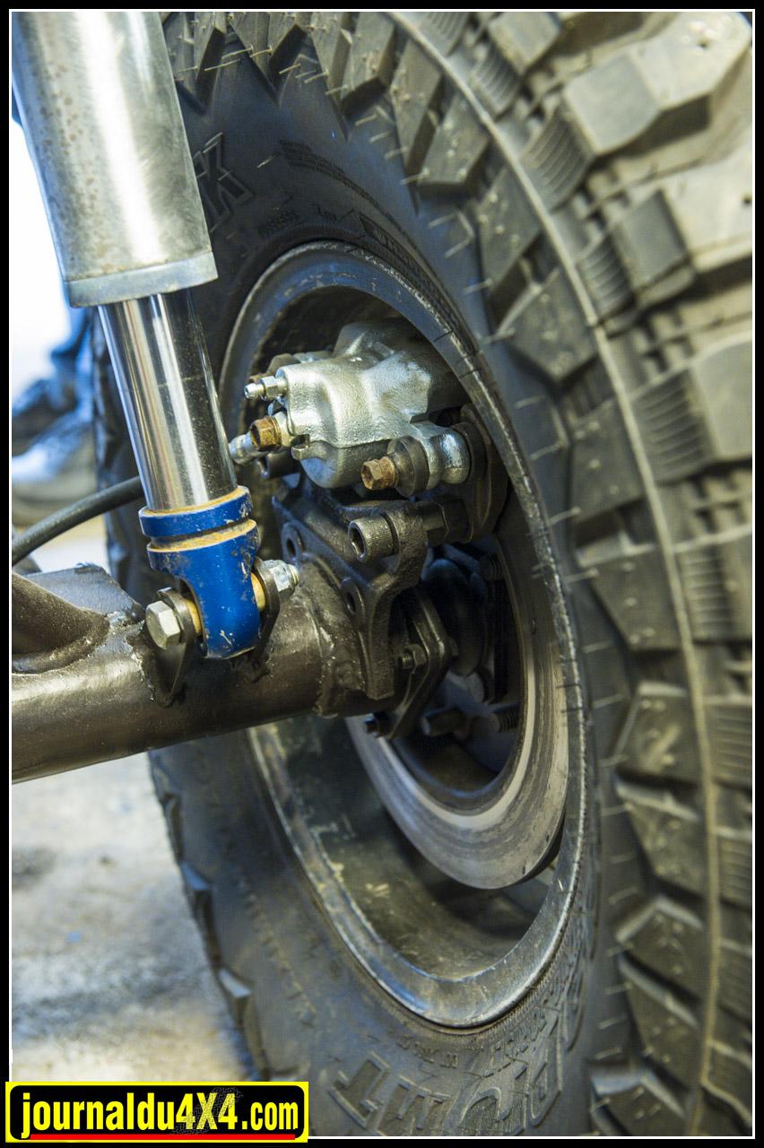 Des freins à disque ont été installés
