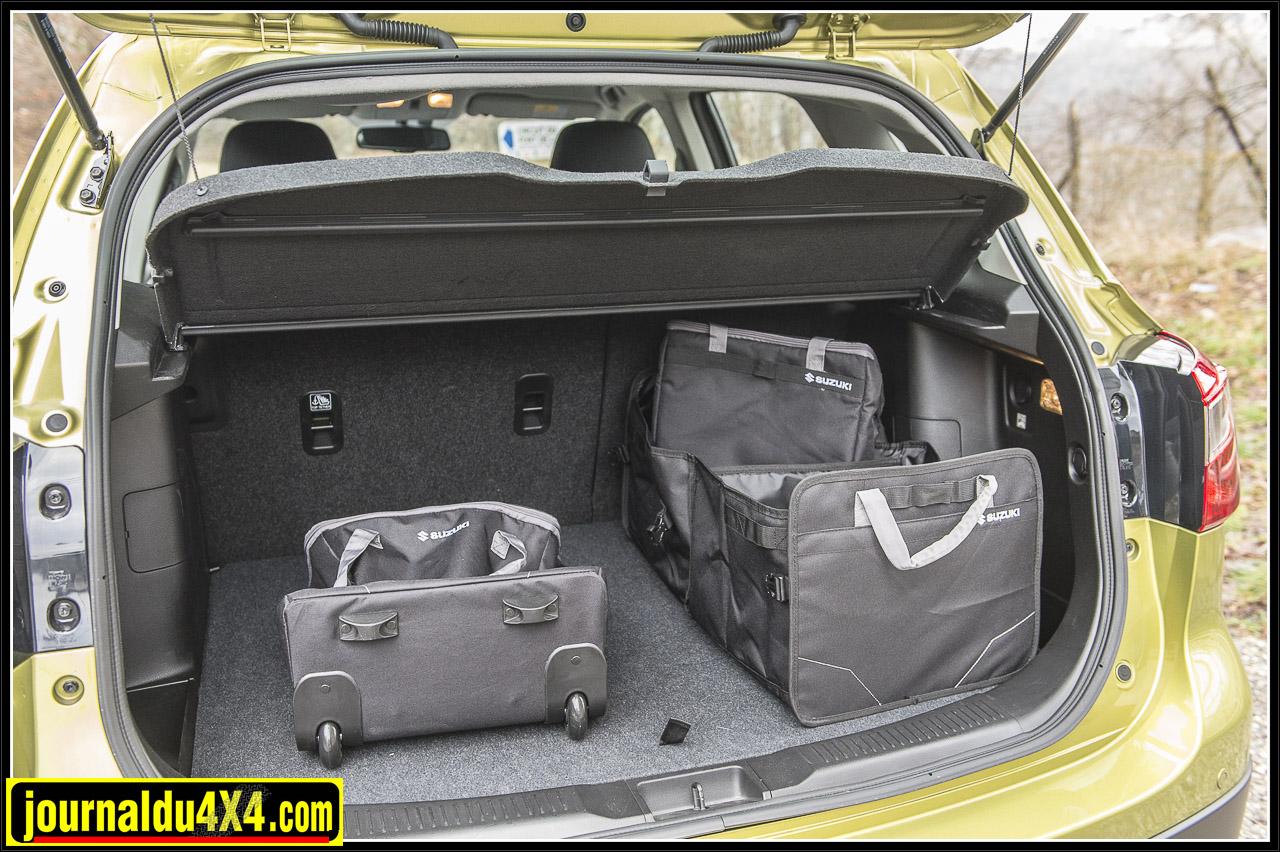 Le coffre est bien dimensionné et permet de loger pas mal de bagages : 1 bon point de plus