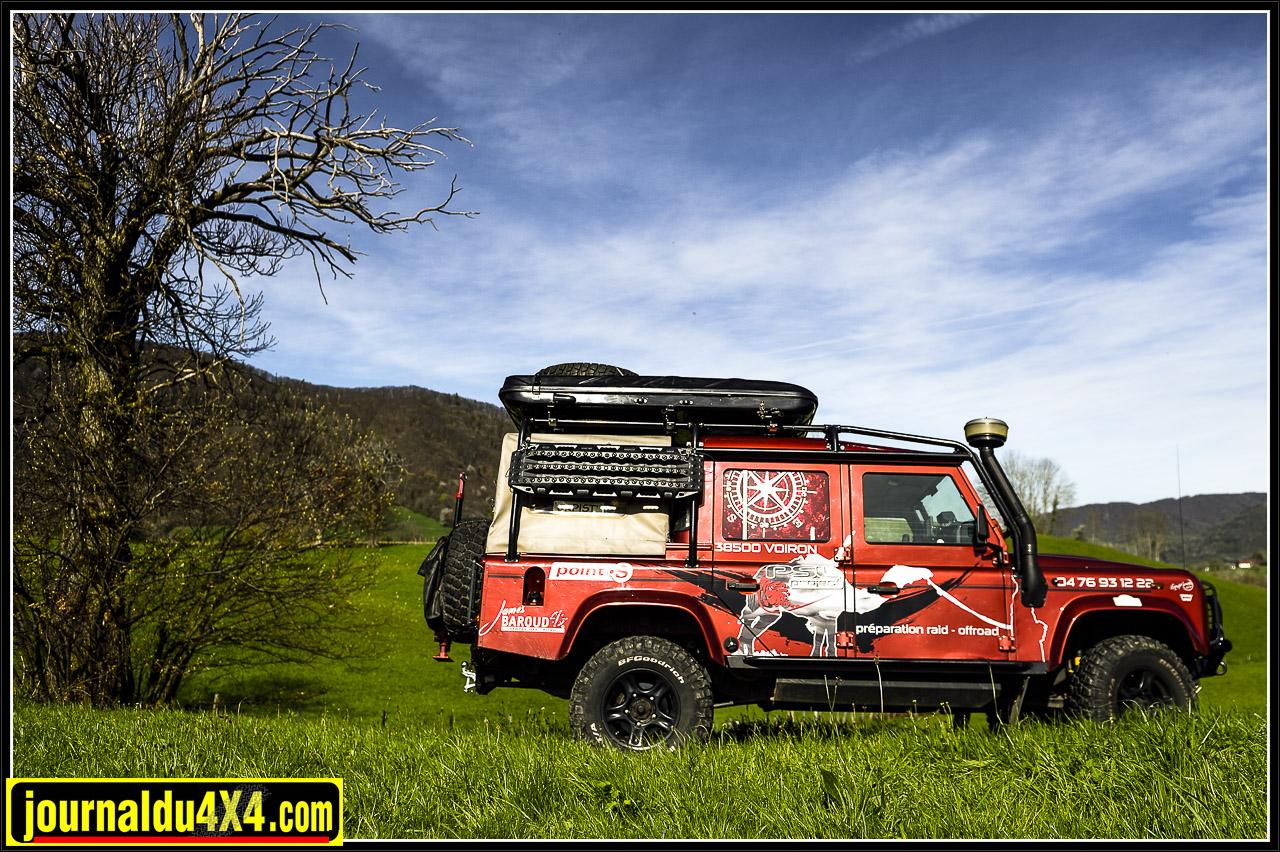 Land Rover Defender 110  Crew Cab  préparation raid