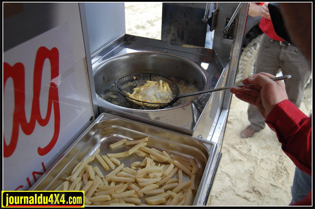 Les premières frites sorties de leur bain lors des essais officiels au Marquenterre