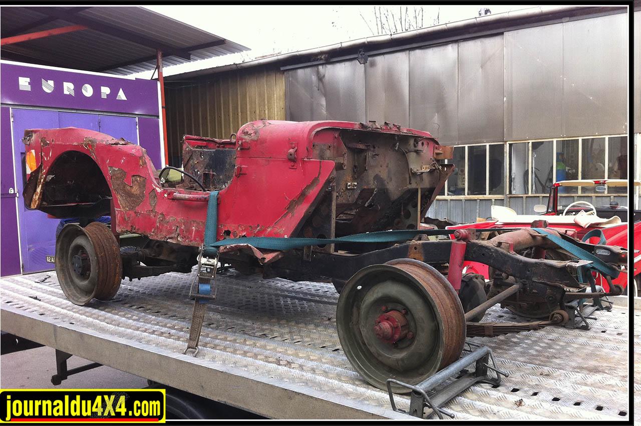 L'état de la caisse de cette Willys de 1944 n'a pas permis de conserver la partie arrière d'origine. Coupée, on a ressoudé celle d'un exemplaire d'époque moins en dentelle