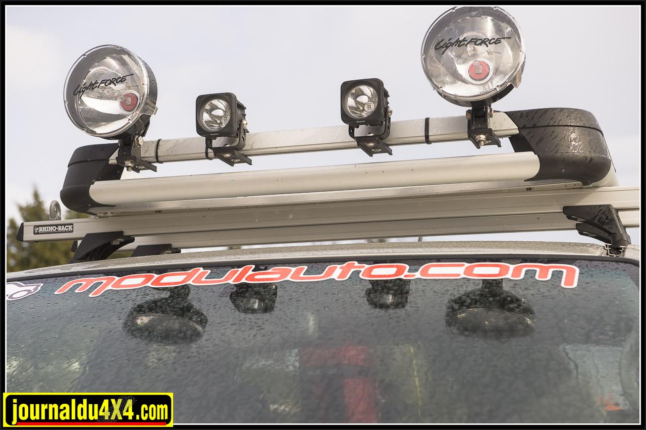 pour les projecteur ici nous avons une belle combinaison Lightforce et Vision X Optimus 10W