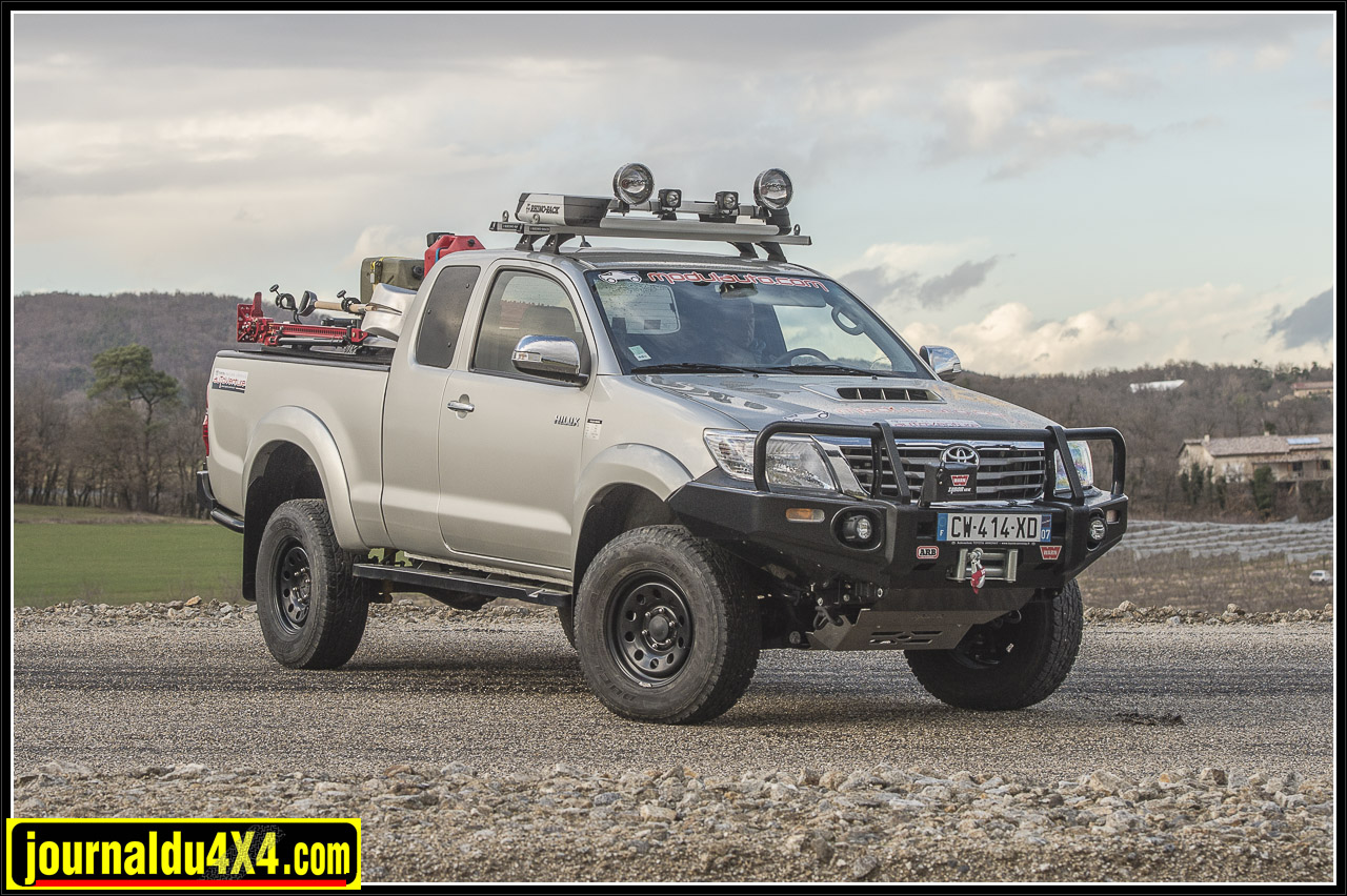 3257-hilux-outback-import-modulauto.jpg