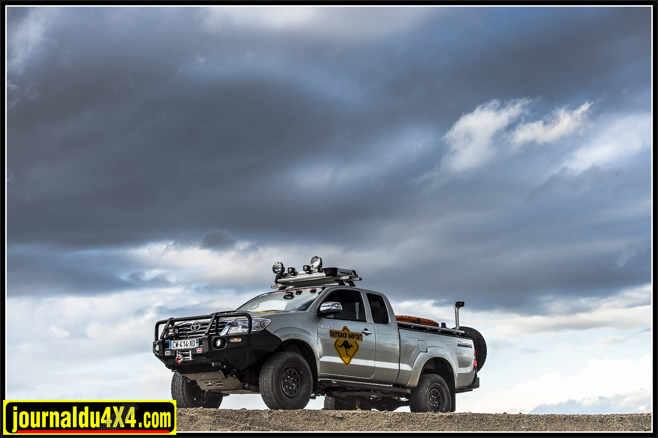 3305-hilux-outback-import-modulauto.jpg
