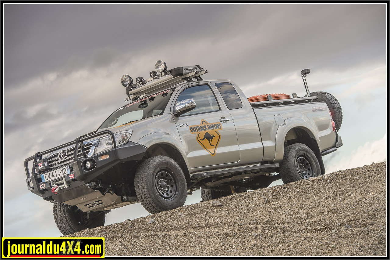 3311-hilux-outback-import-modulauto.jpg