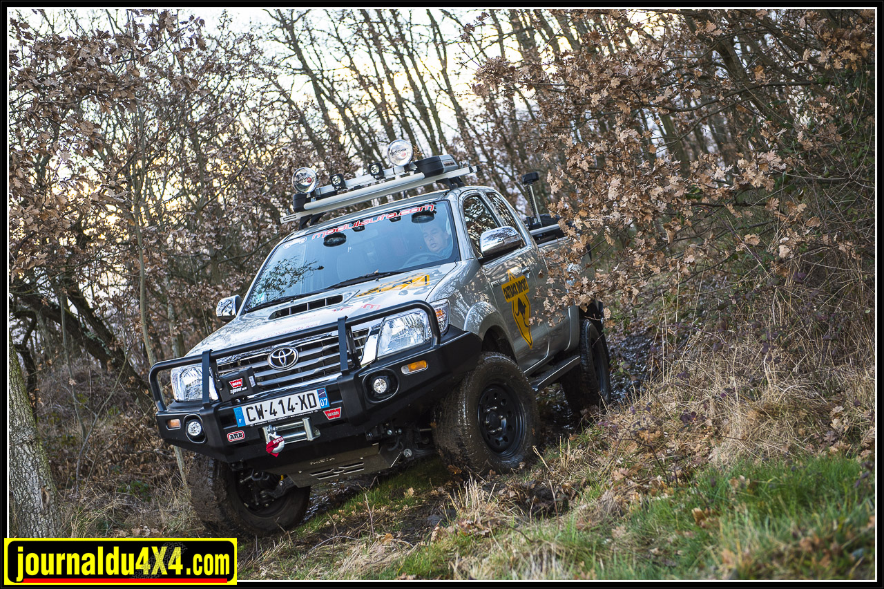 3617-hilux-outback-import-modulauto.jpg