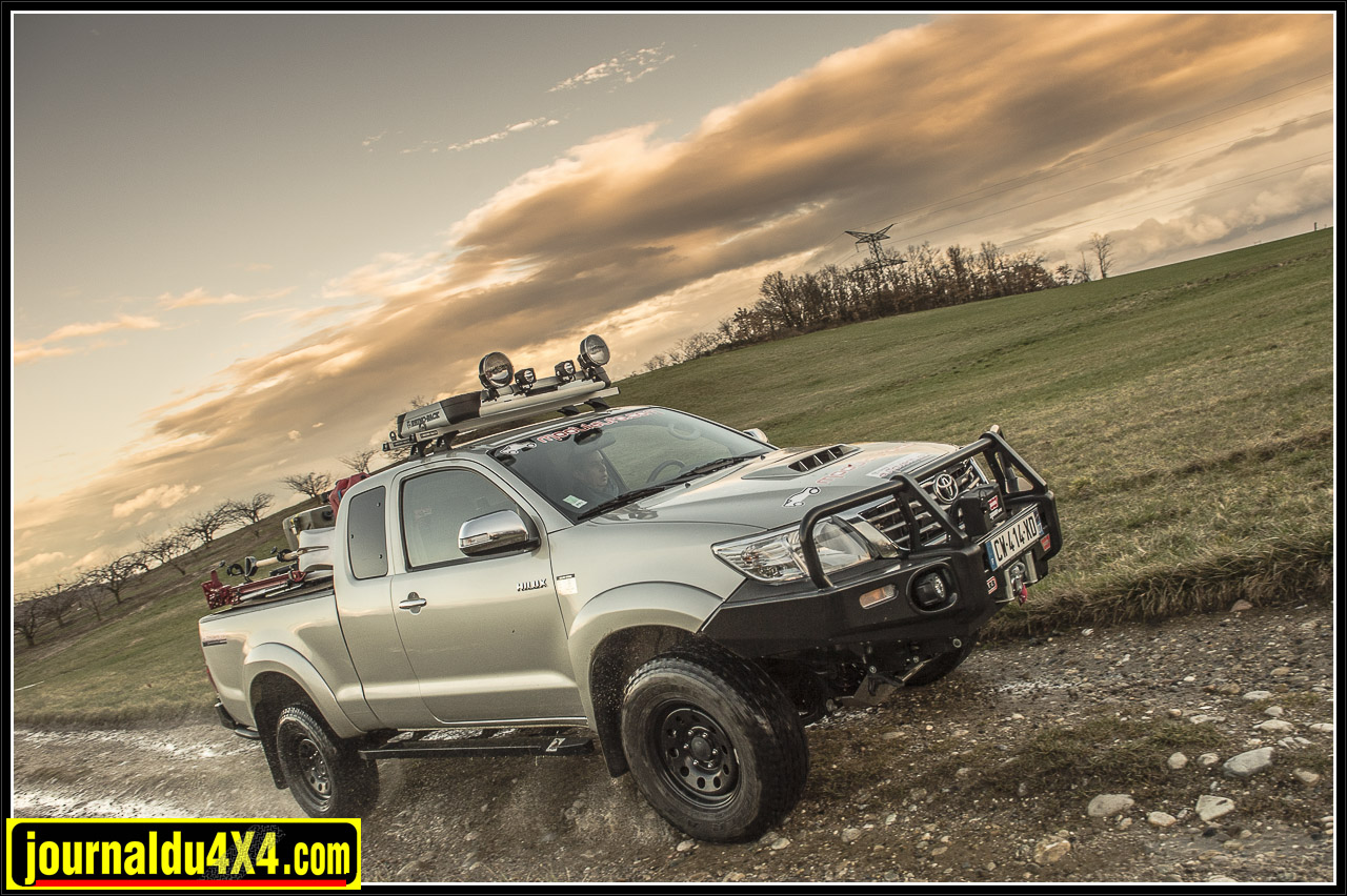 3652-hilux-outback-import-modulauto.jpg