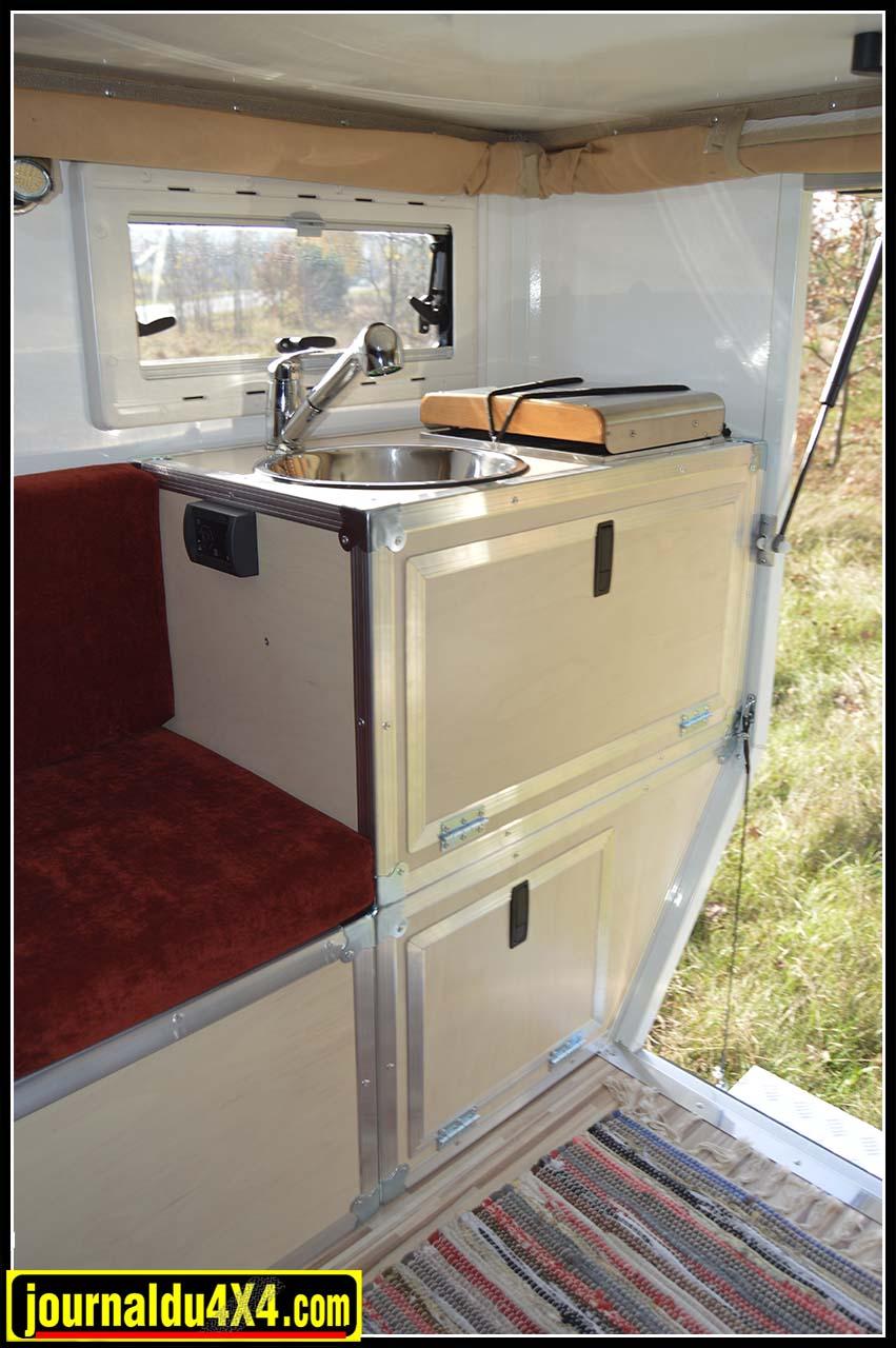 evier-cellule-all-terrain-cabine-globecamper.jpg
