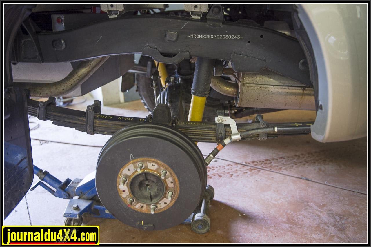 Toujours des OME Nitrocharger Sport mais à l'arrière ce sont des lames en medium
