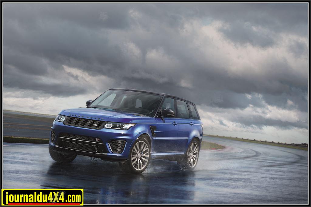 V8 suralimenté de 5,0 litres du Range Rover Sport SVR a été retravaillé pour développer 550ch et 680Nm