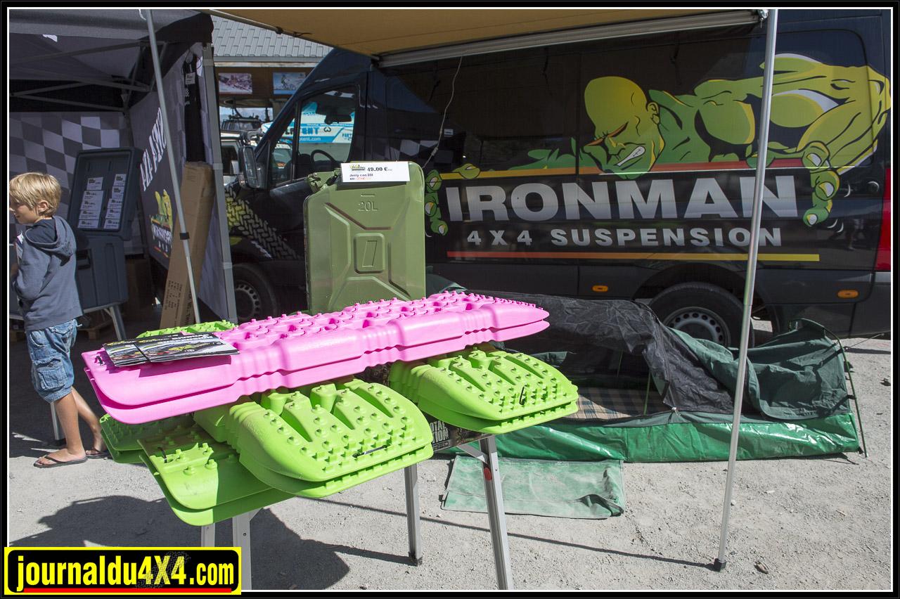 des plaques de désensablement chez Ironman 4x4