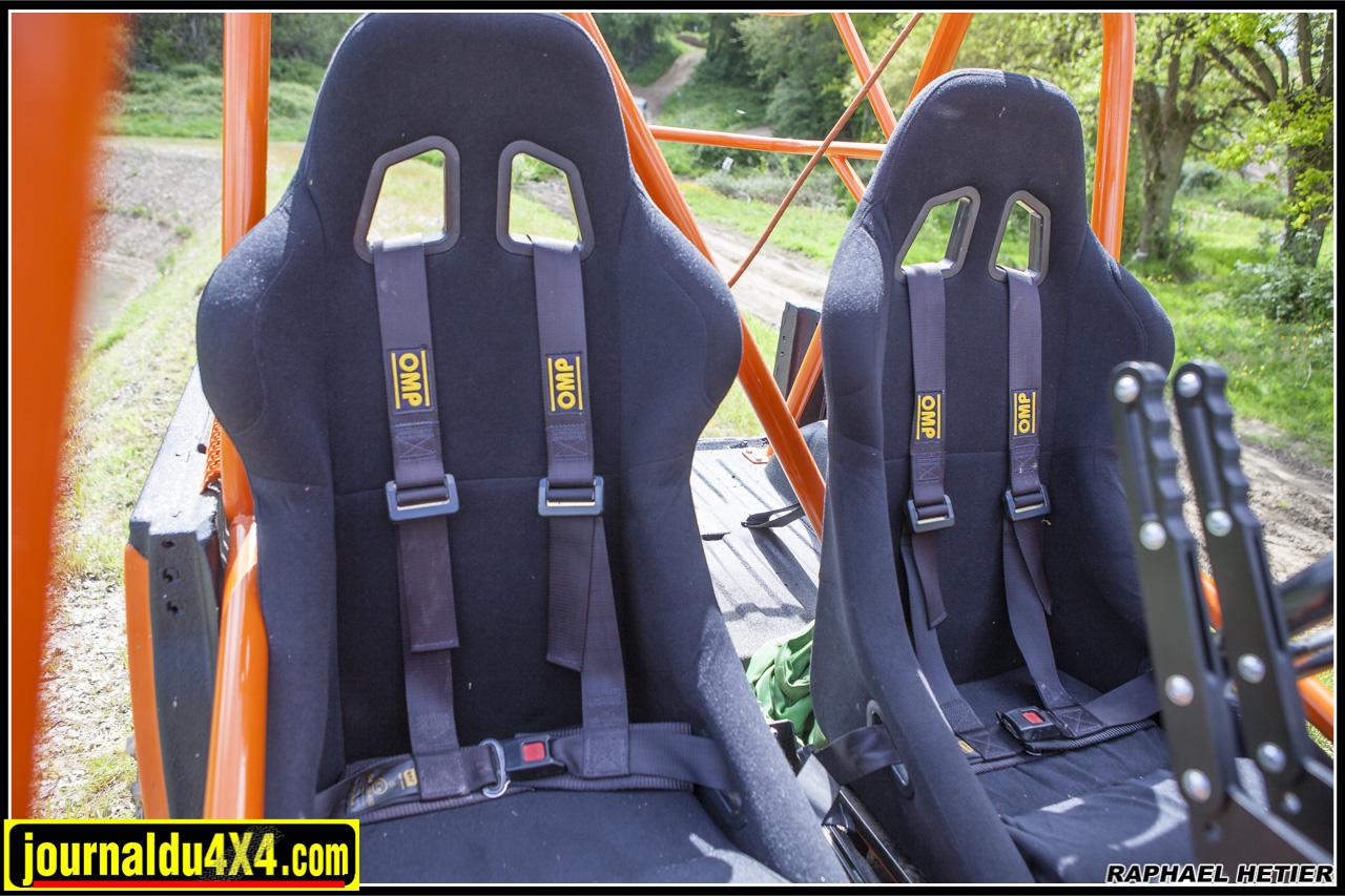 sièges baquets et harnais OMP