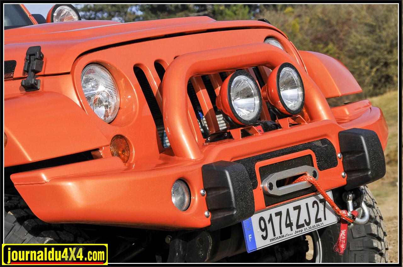 Pare-chocs avant AEV équipé du treuil Warn 9,5 Si et sa corde plasma…Orange, s'il vous plait!