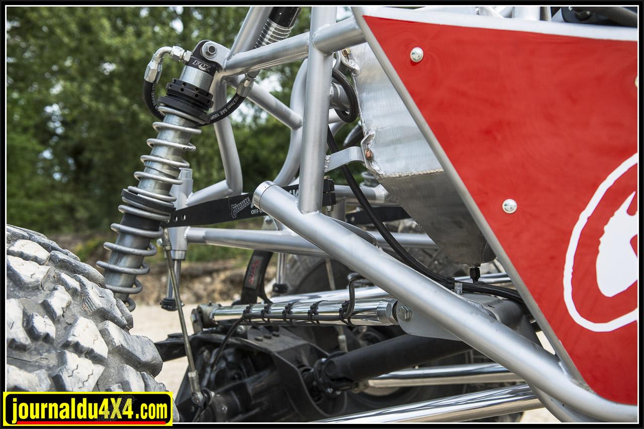 Vue de la suspension arrière et sur la  finition exemplaire des tubes