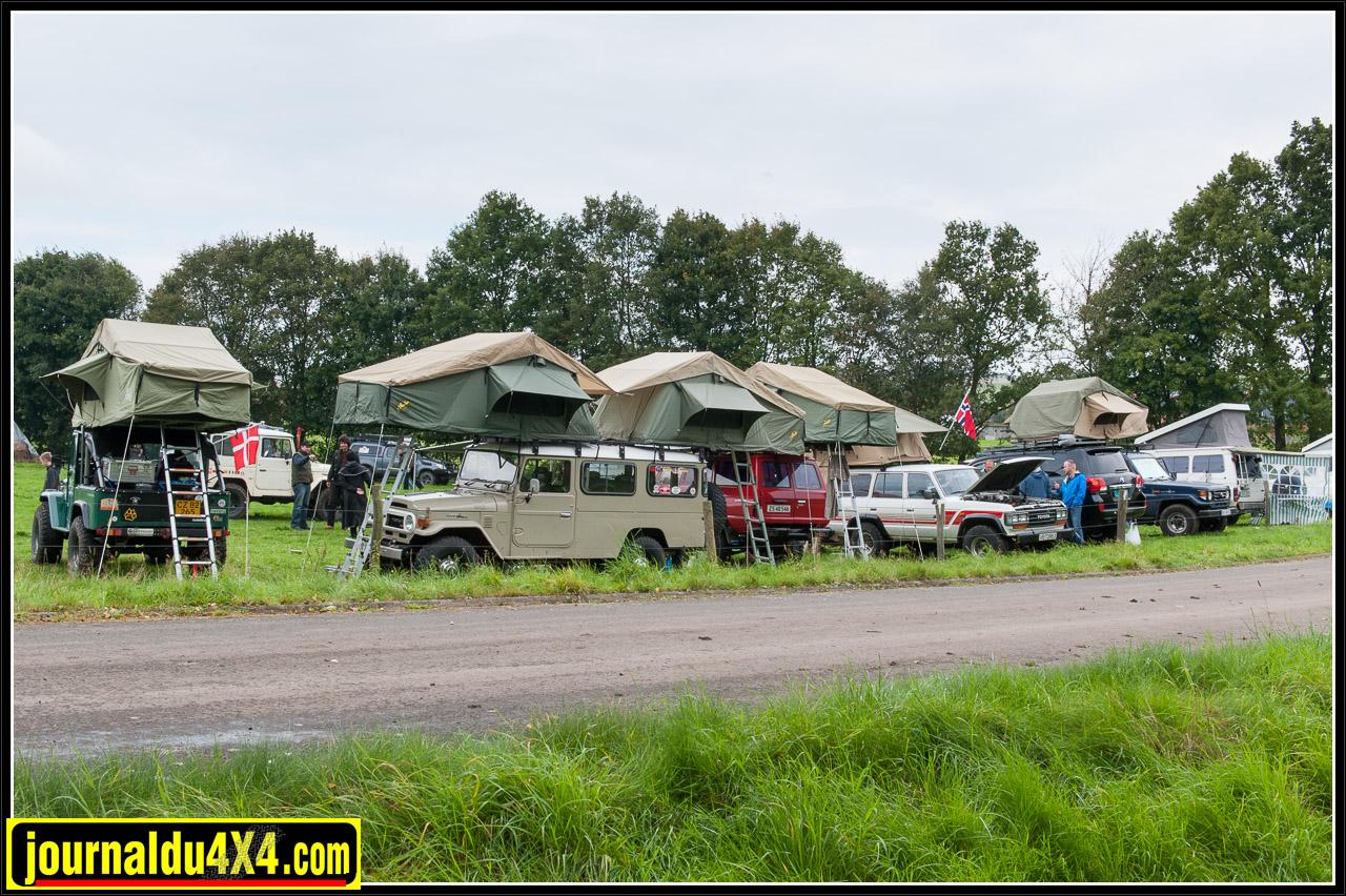 L'équipe des danois avec les mêmes tentes de toit
