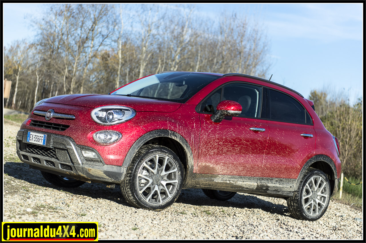 fiat 500 x 4x4 le crossover des villes. Black Bedroom Furniture Sets. Home Design Ideas
