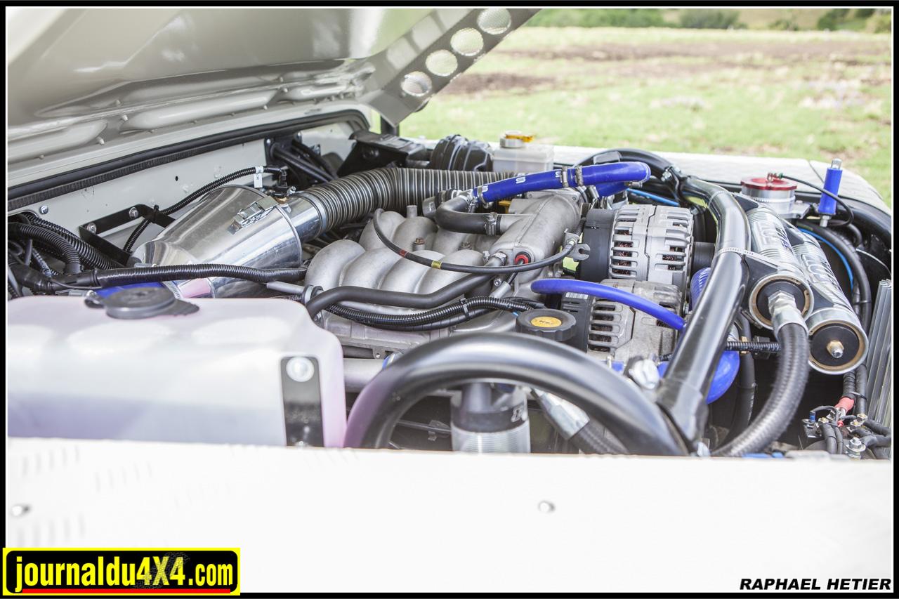 Le V8 4.0l du Discovery II développe d'origine une puissance de 185 chevaux à 4750 tr/min et un couple de 34.7 mkg à 2600 tr/min