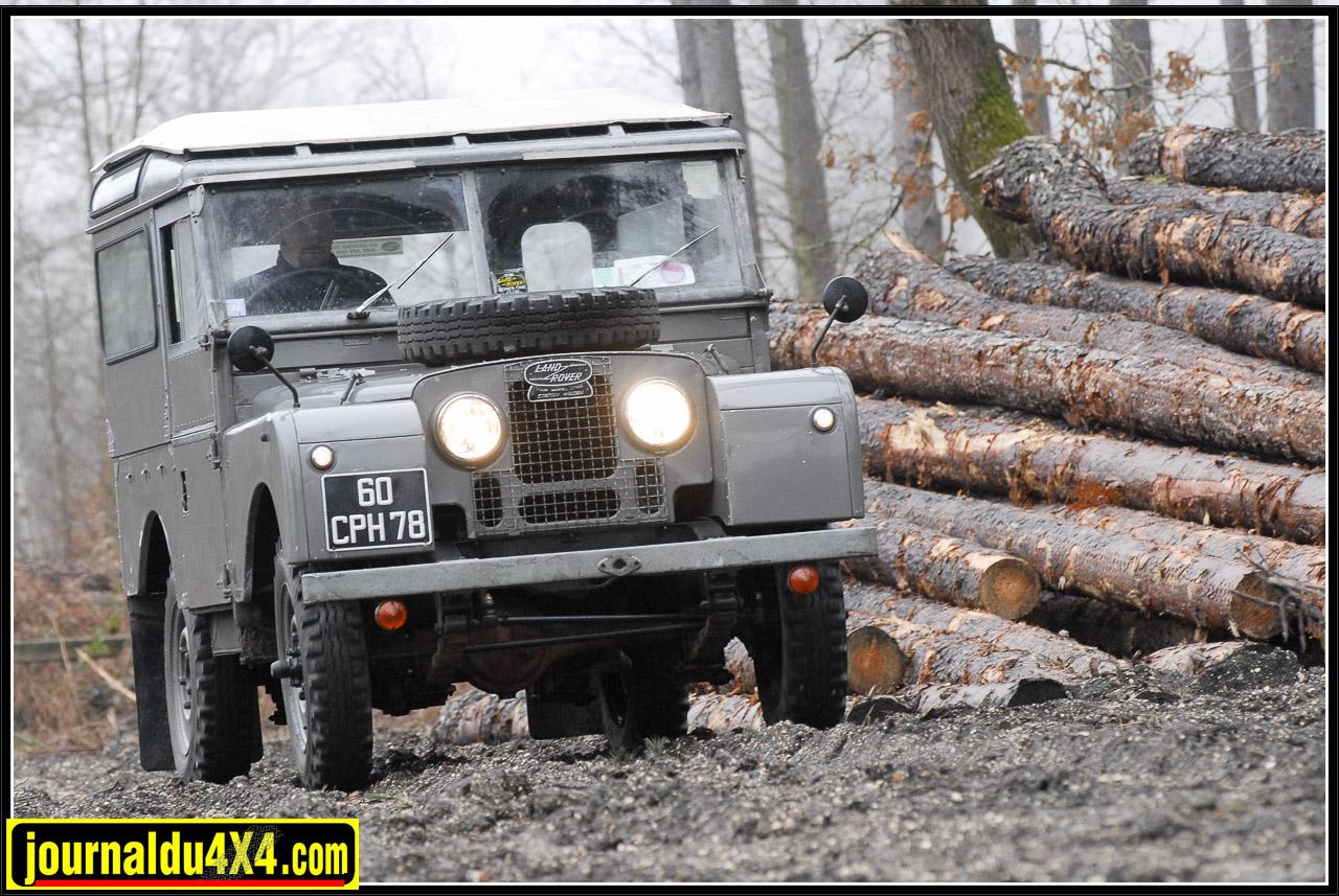 land_rover_serie_1-1-77.jpg