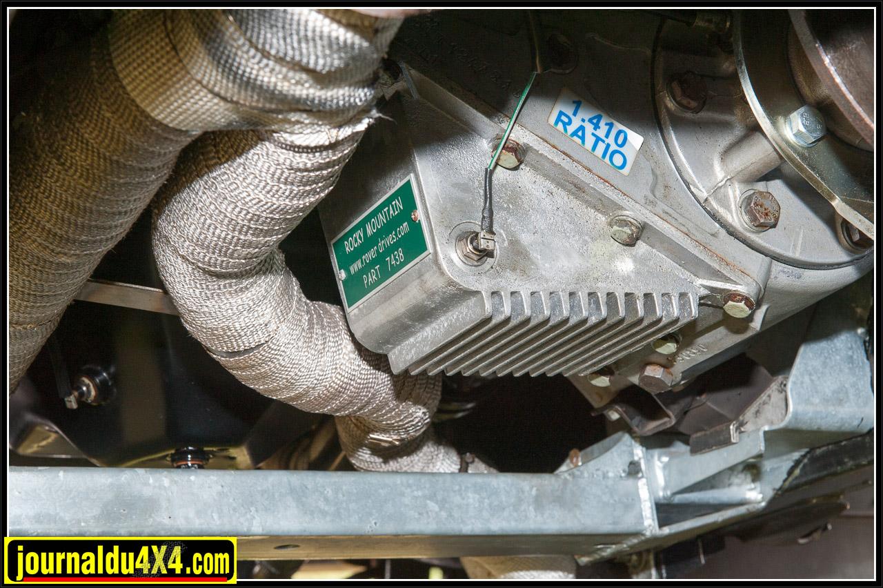 Le carter de la boite de transfert a été remplacé par un modèle Rocky Mountain en aluminium qui augmente la capacité du contenu d'huile d'un peu moins d'1 litre et qui permet de meilleures performances et un meilleur refroidissement grâce aux ailettes