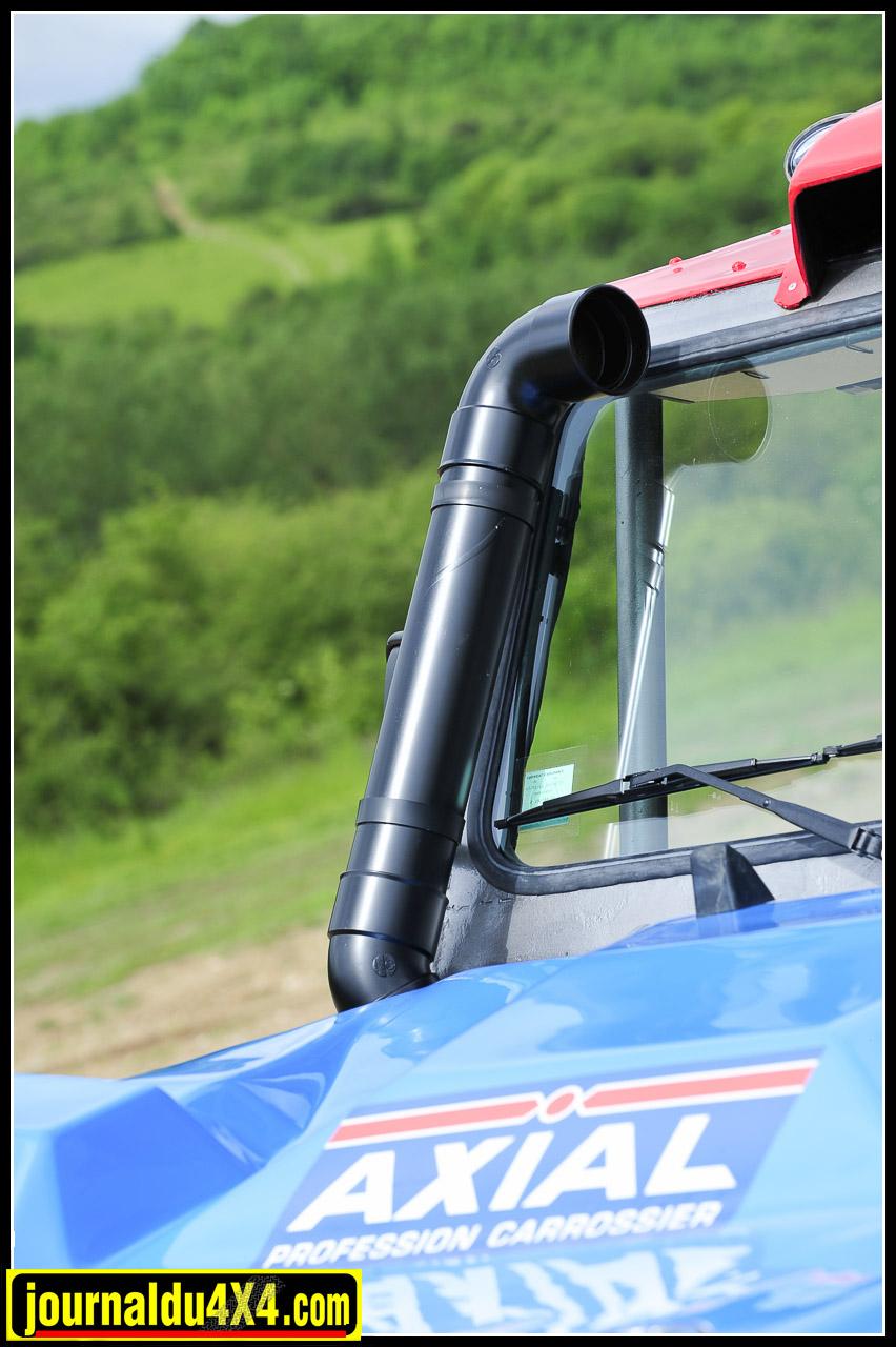 Le Snorkel en tube PVC semble être la marque de reconnaissance des autos du Breslau