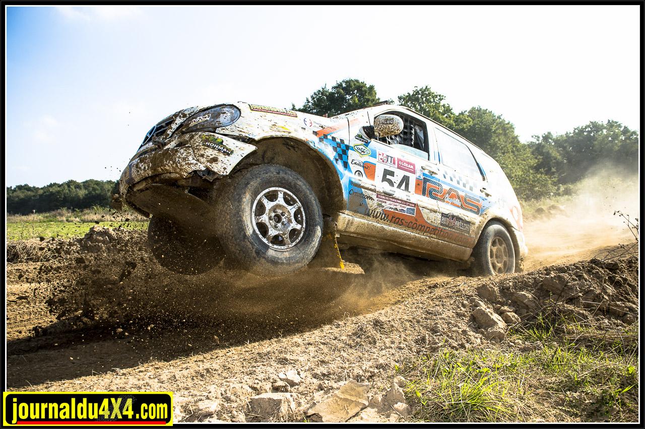 Location Rallye Mercedes ML 430 V8 essence RAS Compétition