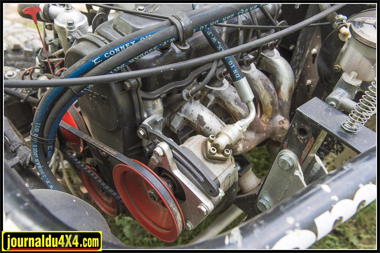 le vaillant petit 4 cylindres essence de Suzuki 413