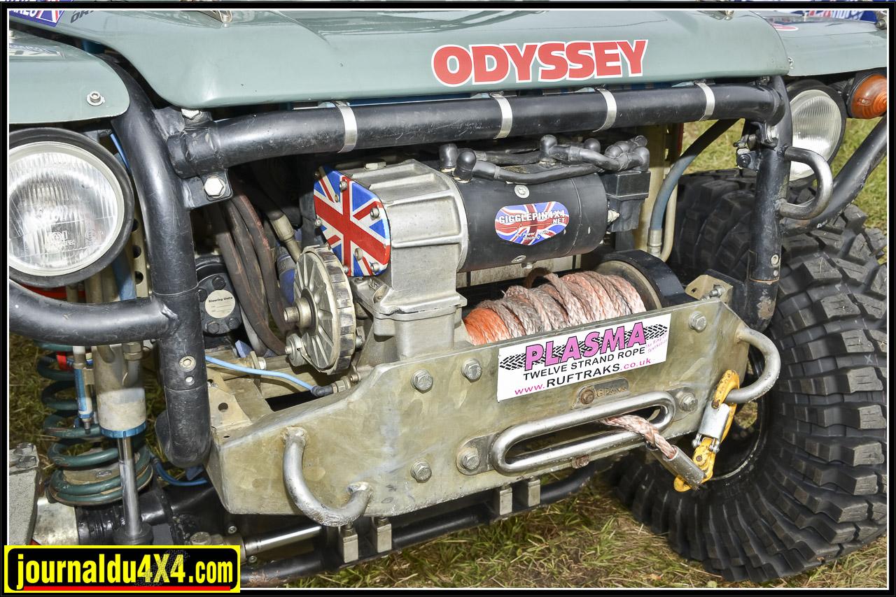 Produit phare de la maison Gigglepin; le treuil Warn 8274 devenu bi-moteur grâce à un kit. Il nécessite bien les deux batteries 24V Odyssey lors des utilisations intensives.