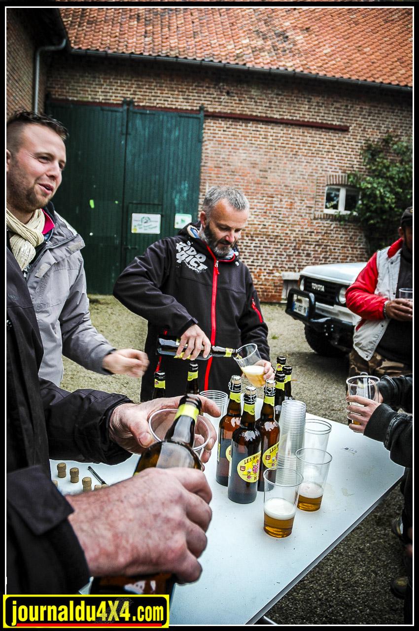 La dégustation de bières régionales plaît toujours aux participants