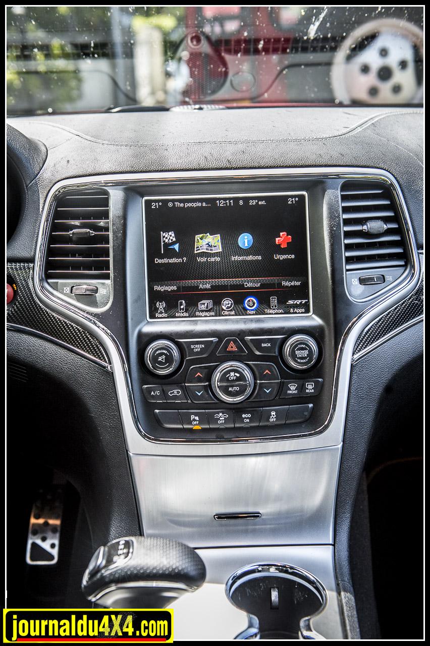 console et ordinateur de bord GPS / Audio
