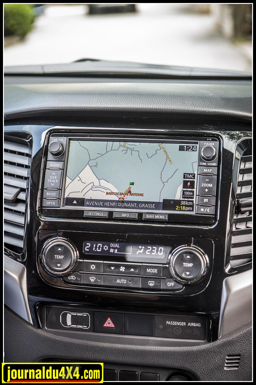 Autoradio, GPS, climatisation automatique bizone, etc