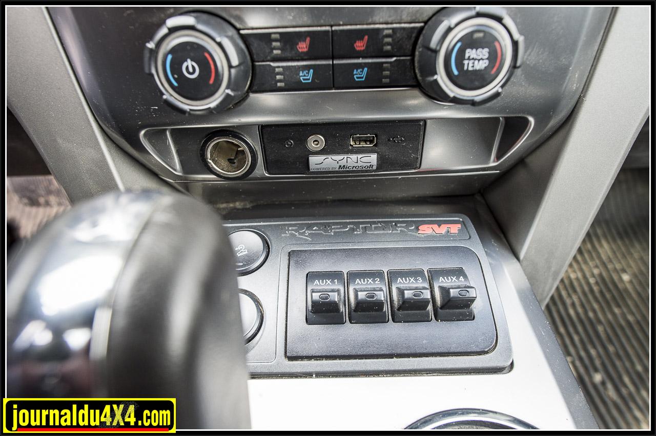 ces interrupteurs sont prévus d'origine pour pouvoir rajouter des accessoires