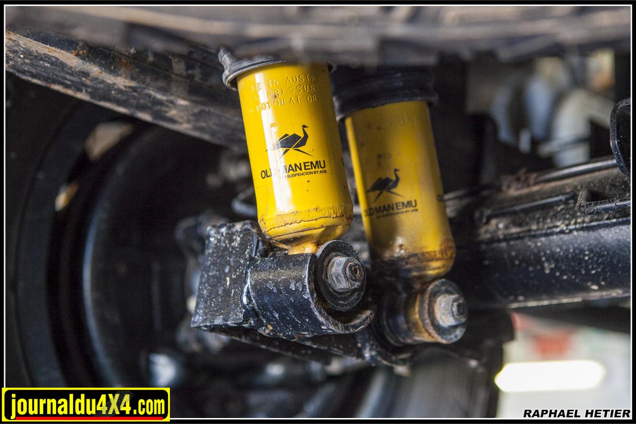 doublage des suspensions arrières du Dmax avec des OME sport