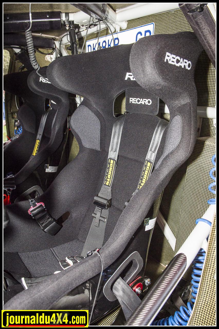 Recaro Pro Racer FIA avec harnais 6 points Schroth Racing