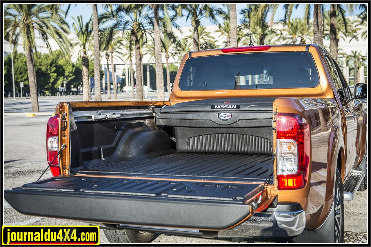 la taille de la benne est de 1850 ou 1520 mm selon la version King Cab ou Double Cab