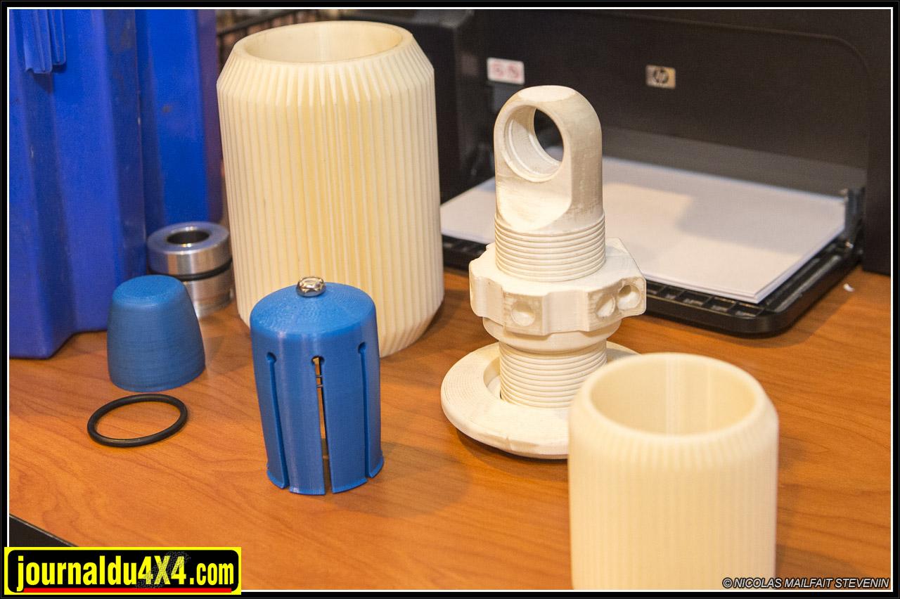 quelques pièces et outils produits par l'imprimante 3D