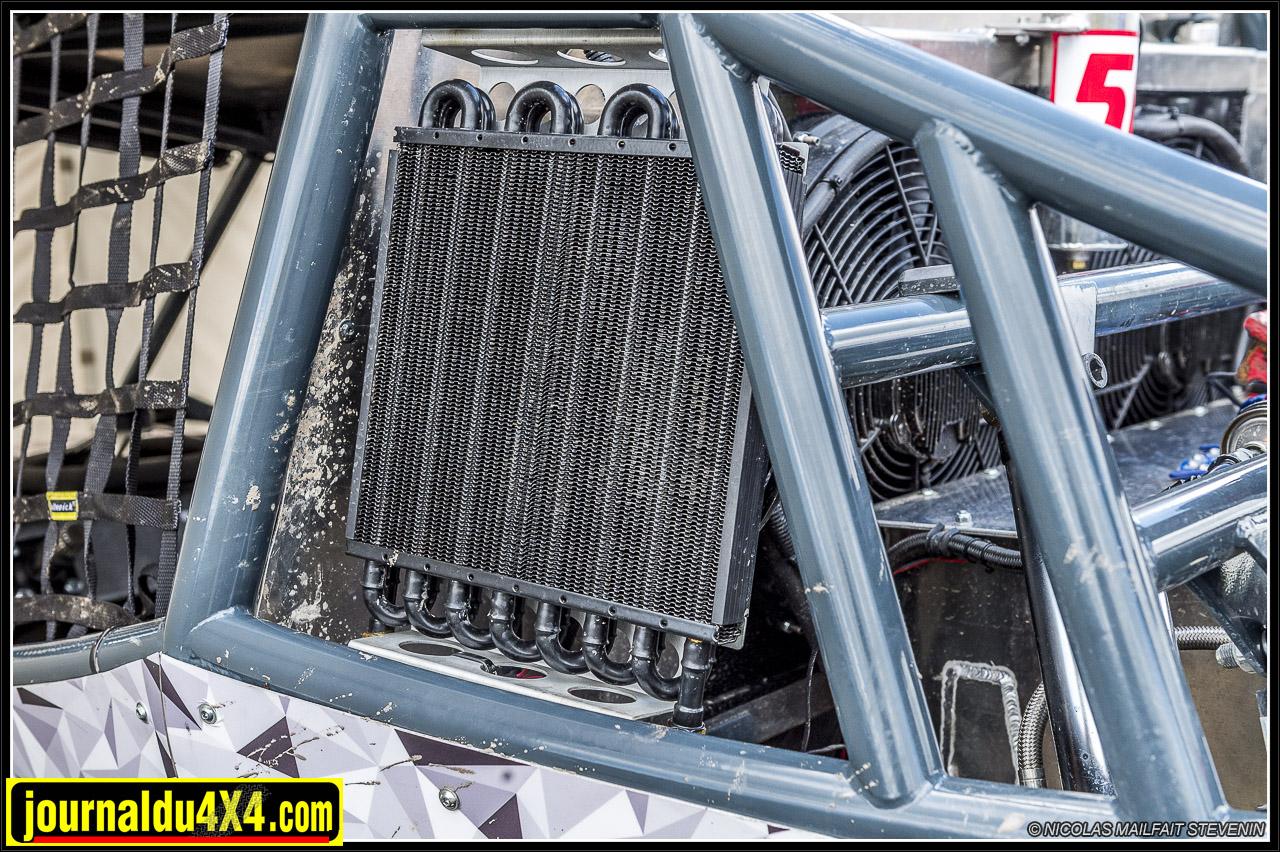 de chaque côté un radiateur