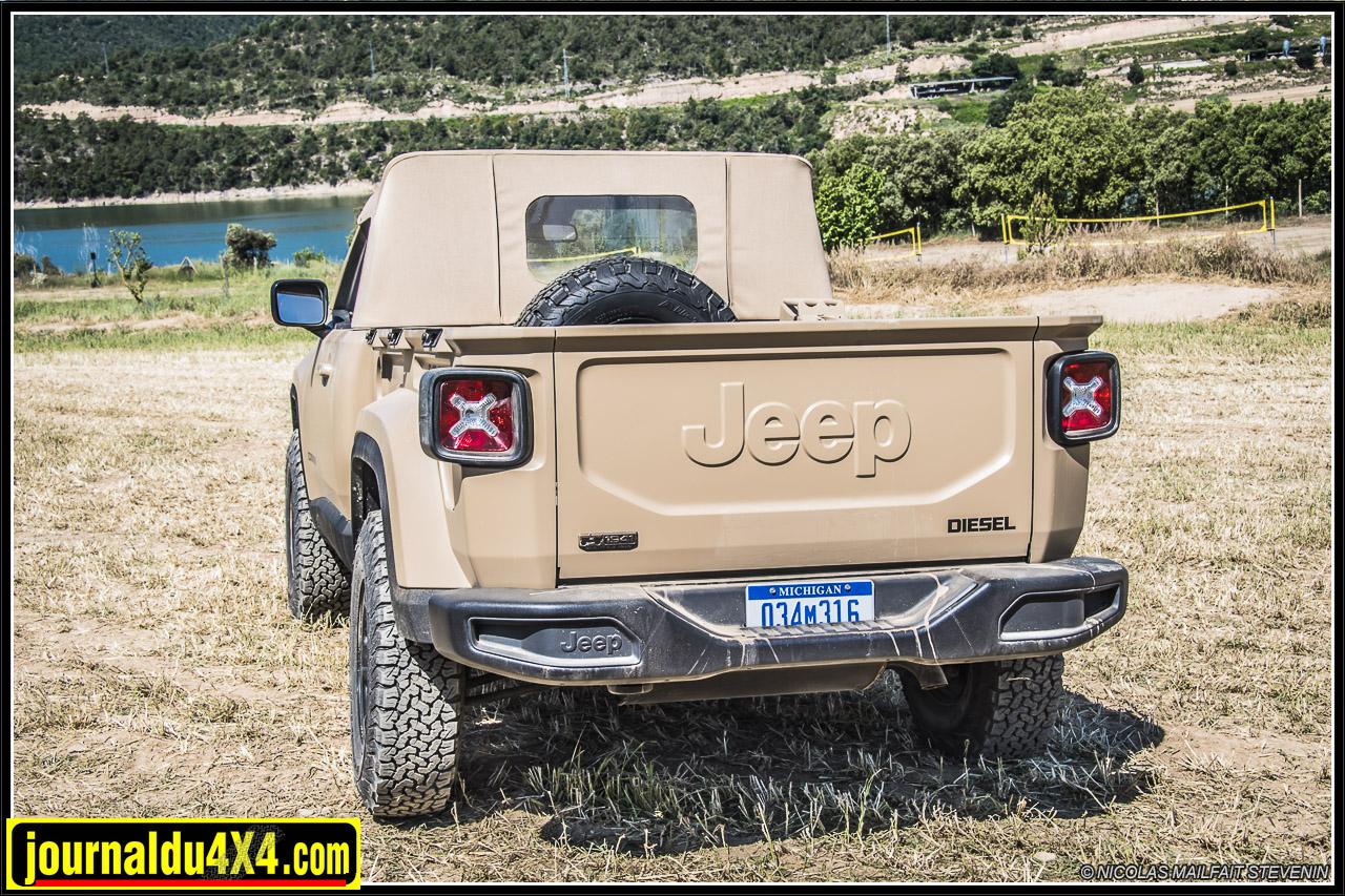 Jeep-pickup-comanche-renegade-6203.jpg