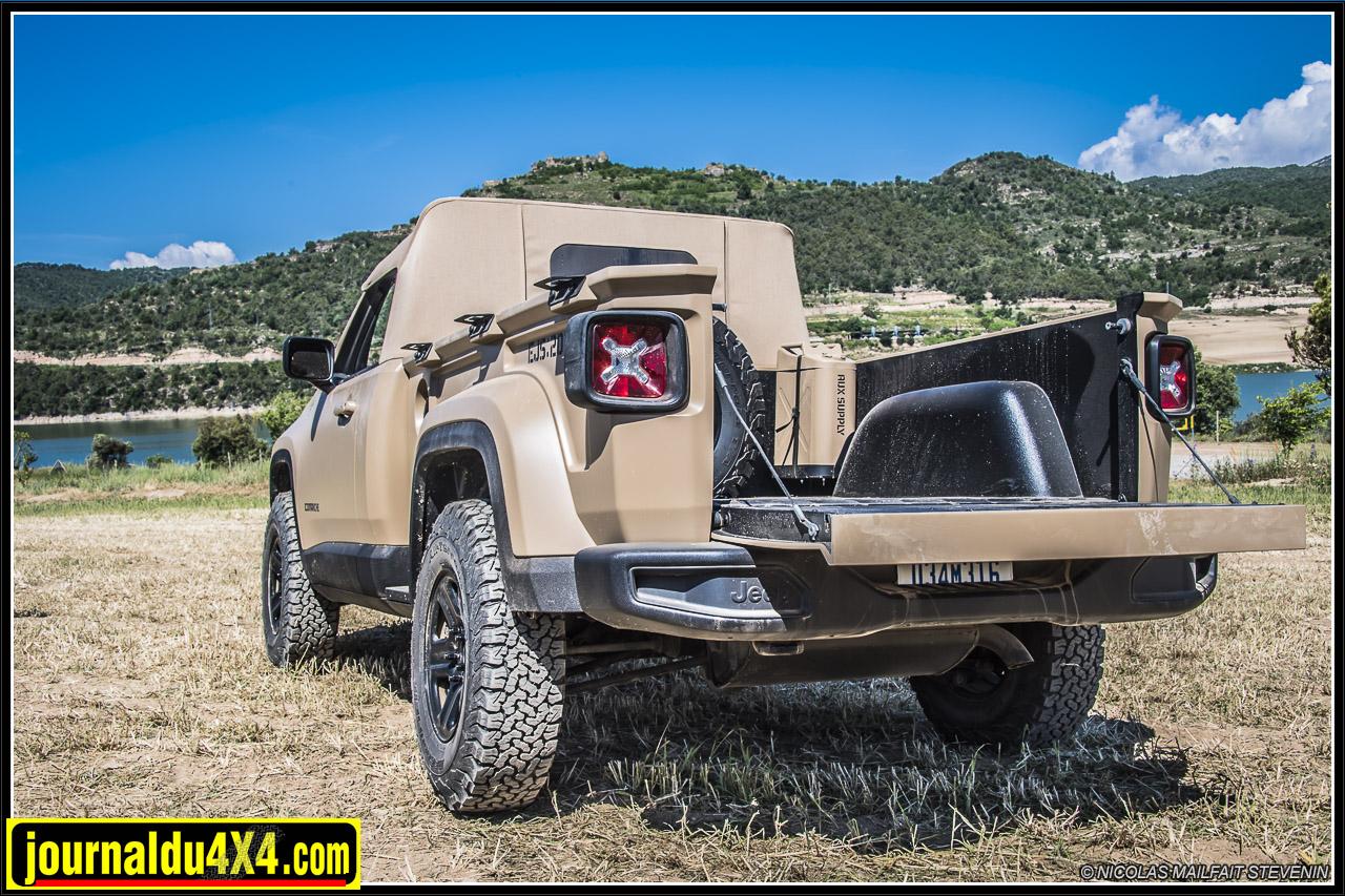 Jeep-pickup-comanche-renegade-6212.jpg