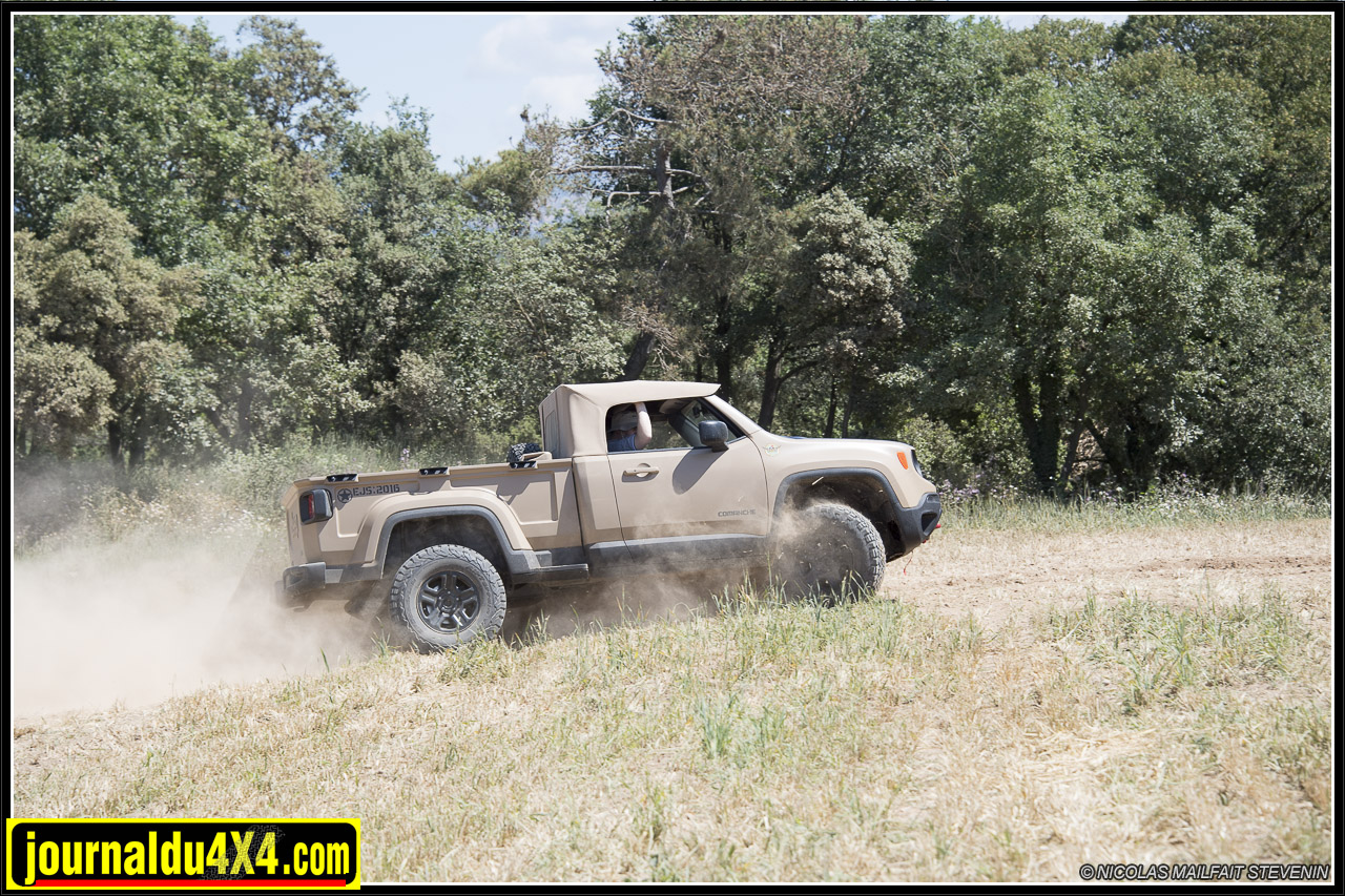 Jeep-pickup-comanche-renegade-6347.jpg