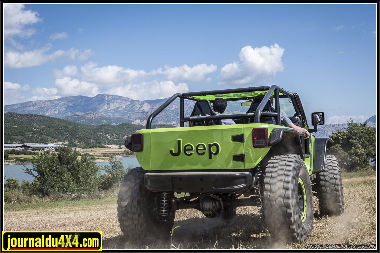 Jeep-trailcat-hellcat-v8-wrangler-6229.jpg